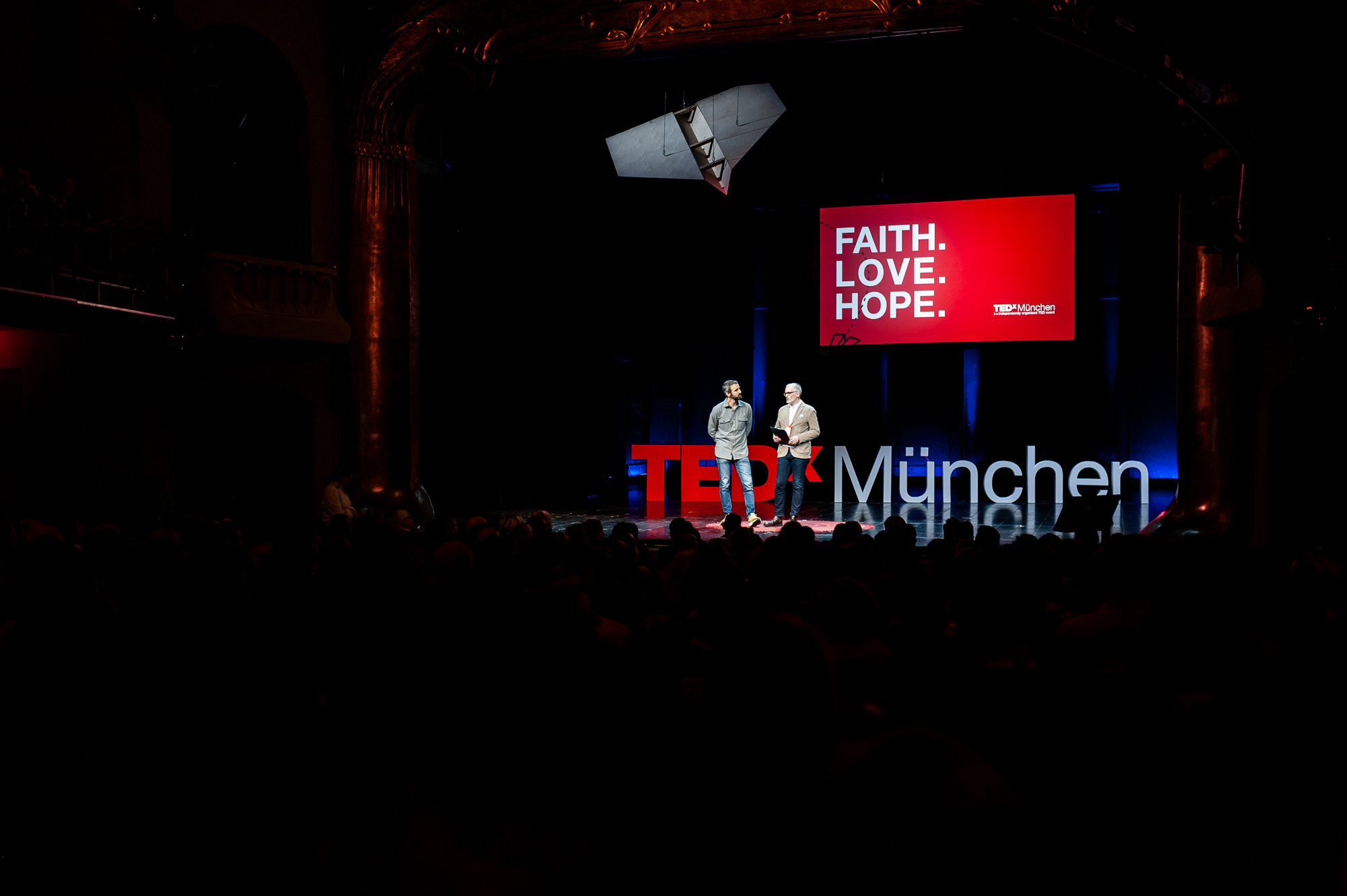 TEDx München 2018, Floko Zibert and Gregor Wöltje on stage opening the afternoon of talks, photo by Denise Stock