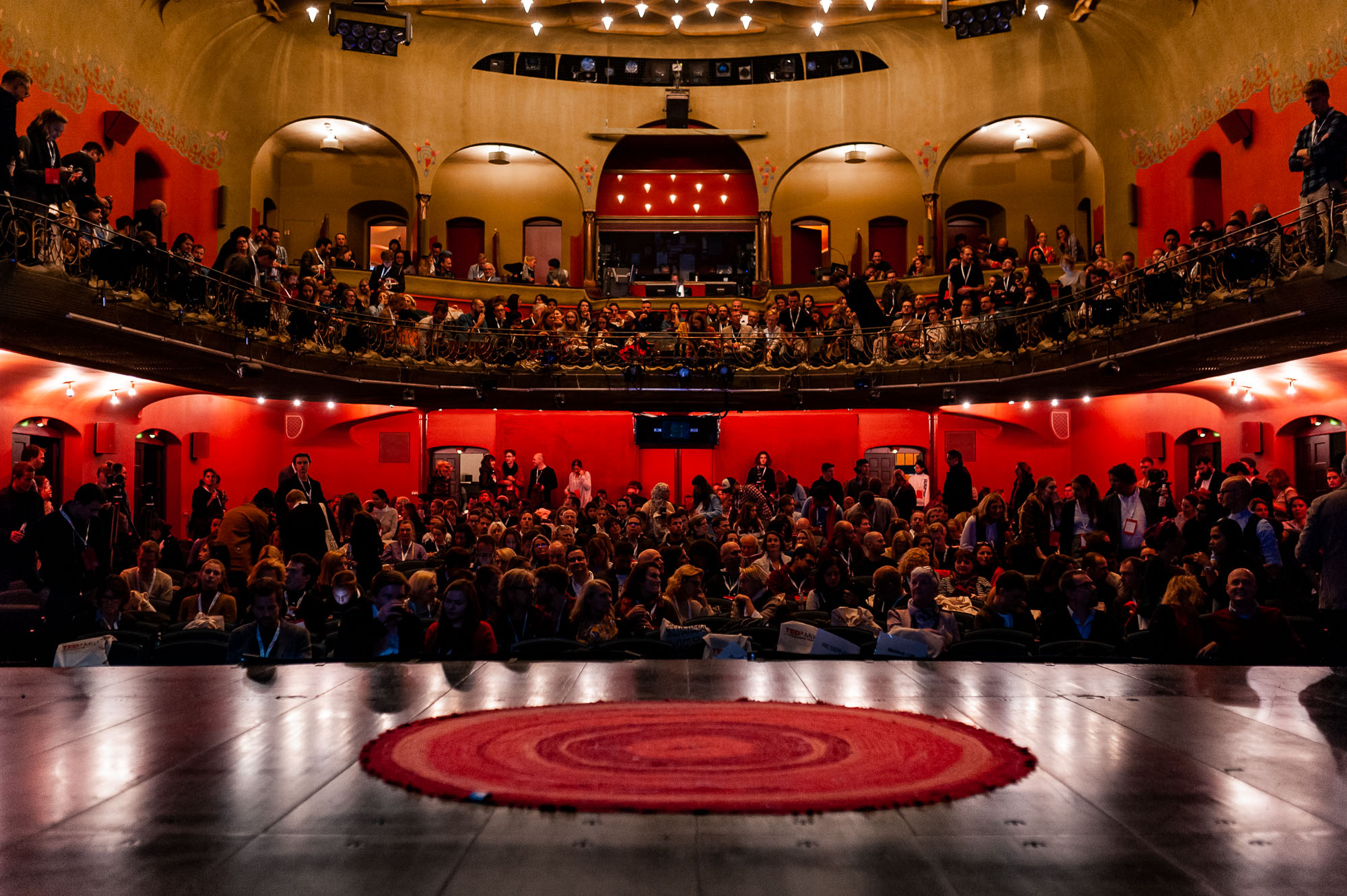 TEDx München 2018, full house at the Kammerspiele, photo by Denise Stock